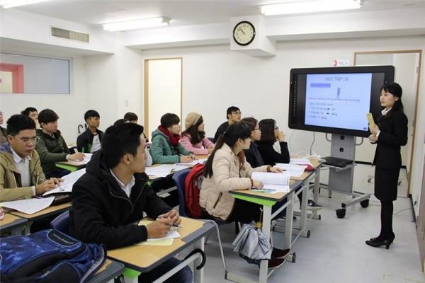 Đi xuất khẩu lao động Đài Loan có cần học tiếng không