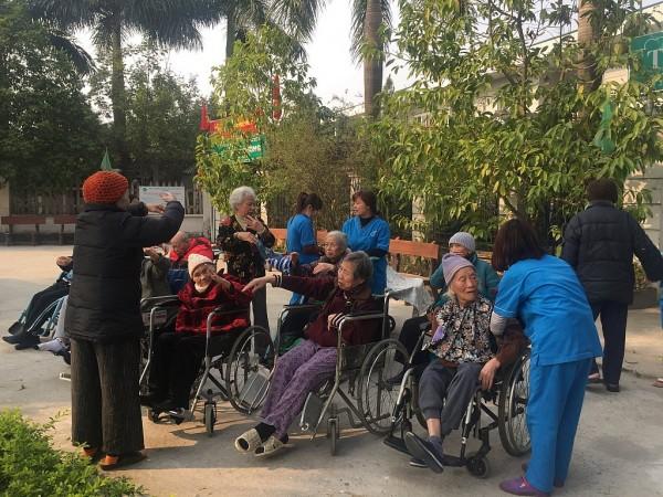 Hoạt động ngoại khóa tại viện dưỡng lão